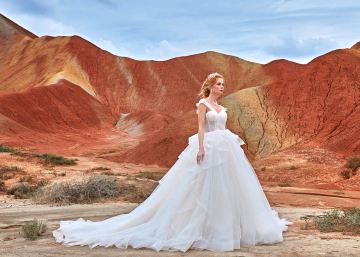 Affordable and Absolutely Showstopping Wedding and Bridesmaid Dresses By CocoMelody – Grace Luxury 1