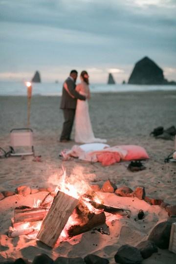 Cannon Beach Bonfire Wedding With Smores – Marina Goktas Photography 35