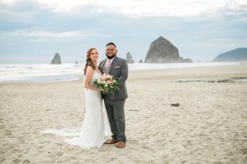 Cannon Beach Bonfire Wedding With Smores – Marina Goktas Photography 8