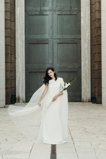 Sleek and Sexy Modern Wedding Inspiration in Emerald – Marcella Cistola 16