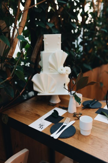 Avant-Garde Urban Bridal Inspiration from Bucharest – Wedding Stories – Moon Events 18