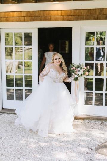 Cheery Marthas Vineyard Summer Wedding – Lena Mirisola Weddings 12