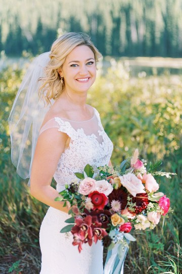 Colorful Colorado Wedding with Stunning Mountain Views – Callie Hobbs – Banks and Leaf 14