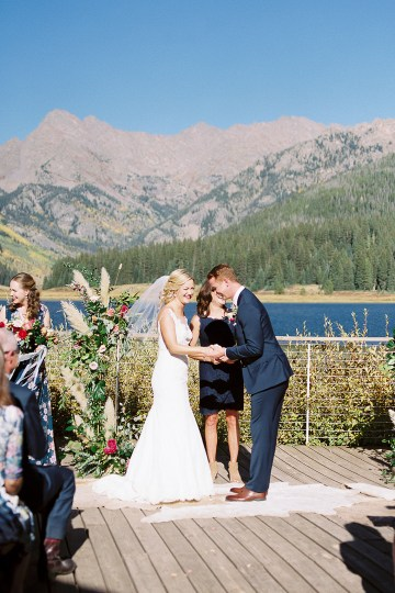 Colorful Colorado Wedding with Stunning Mountain Views – Callie Hobbs – Banks and Leaf 21