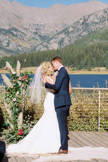 Colorful Colorado Wedding with Stunning Mountain Views – Callie Hobbs – Banks and Leaf 22