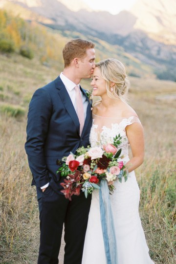 Colorful Colorado Wedding with Stunning Mountain Views – Callie Hobbs – Banks and Leaf 34