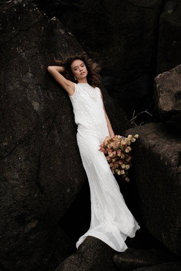 Effortlessly Cool Lava Rock Beach Wedding Inspiration in Byron Bay – Megan Kelly Photo 19