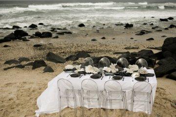 Effortlessly Cool Lava Rock Beach Wedding Inspiration in Byron Bay – Megan Kelly Photo 29