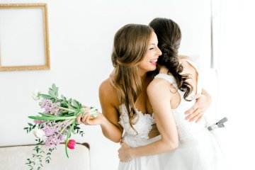 Monica Phoebe and Rachel Friends Bridal Inspiration – Lora Grady Photography 2
