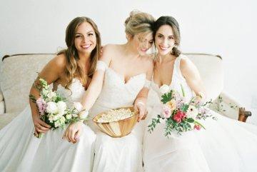 Monica Phoebe and Rachel Friends Bridal Inspiration – Lora Grady Photography 7