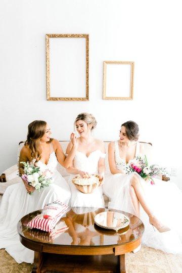 Monica Phoebe and Rachel Friends Bridal Inspiration – Lora Grady Photography 9