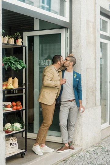 Organic Technicolor Lisbon Gay Elopement Inspiration – Happy Together Films – Adriana Morais Fotografia 43