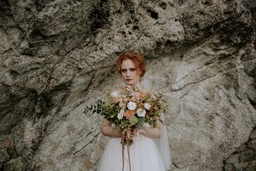 Rose Gold and Copper Cinque Terre Fall Wedding Inspiration – Di Luce e d Ombra – Greta Betton Wedding Planner 1