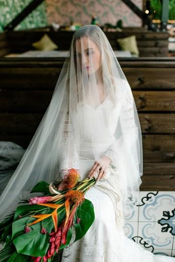 Bold Tropical Wedding Inspiration – Katerina Antos-Lewis Photography 38