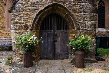 Charming English Wildflower Wedding At The Family Farm – Jonny Barratt Wedding Photography 1