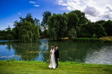 Charming English Wildflower Wedding At The Family Farm – Jonny Barratt Wedding Photography 10