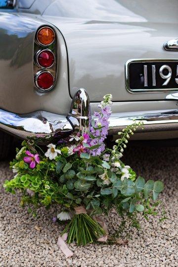 Charming English Wildflower Wedding At The Family Farm – Jonny Barratt Wedding Photography 27