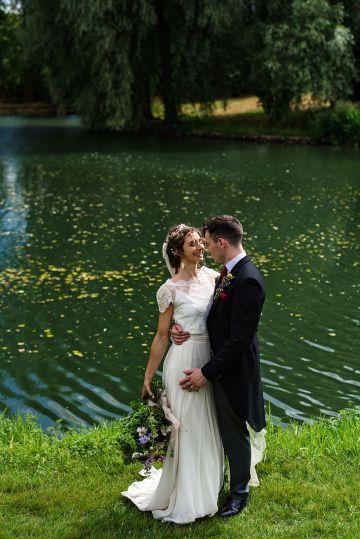 Charming English Wildflower Wedding At The Family Farm – Jonny Barratt Wedding Photography 31