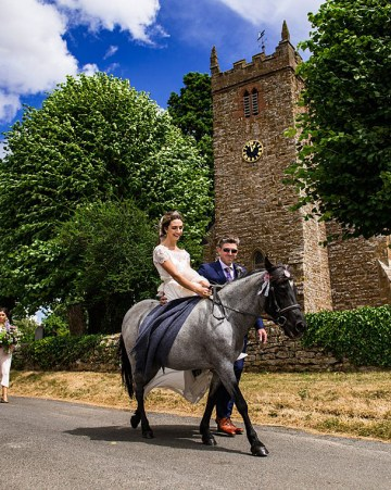 Charming English Wildflower Wedding At The Family Farm – Jonny Barratt Wedding Photography 43