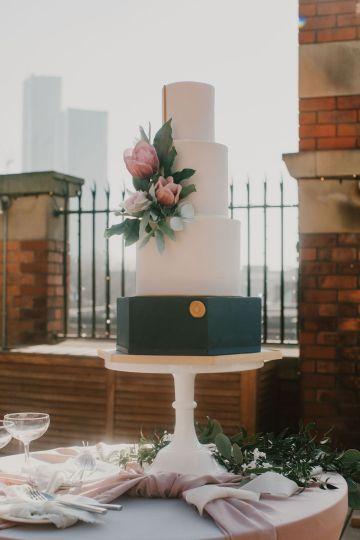 Vintage Glamour Wedding Inspiration in Manchester – Gail Secker Photography 23