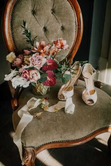 Vintage Glamour Wedding Inspiration in Manchester – Gail Secker Photography 39