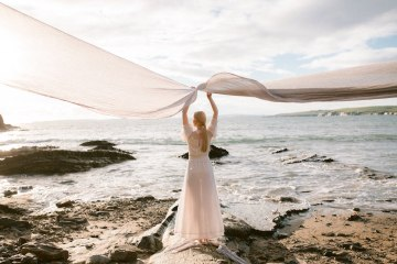 Gorgeous Coastal Ireland Wedding Inspiration – White Cat Studio – Petal and Twine 49