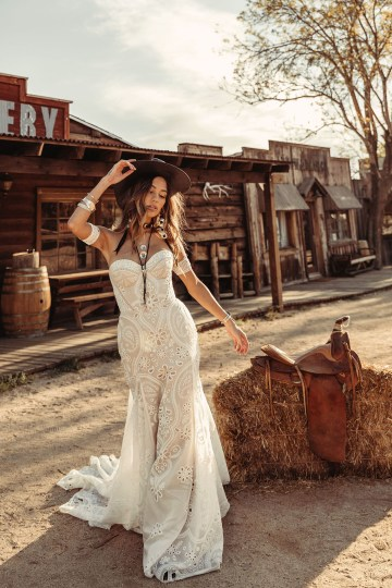 Rue de Seine Moonrise Canyon Wedding Dress Collection – Tallulah Gown 4