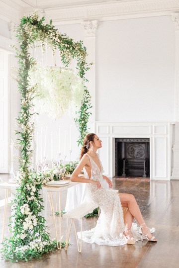 Luxurious and Opulent Wedding Inspiration Featuring Six Stunning Dresses – Gianluca and Mary Adovasio – Tigerlily Weddings 8