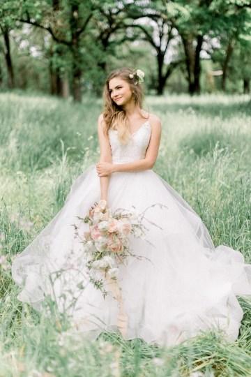 Whimsical Floral-Filled Woodland Wedding – Walnut and Main – Irina Turkova Photography 30