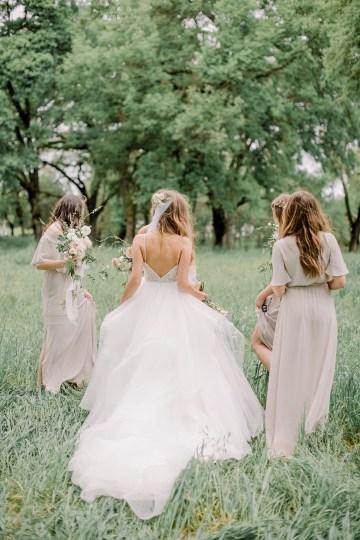 Whimsical Floral-Filled Woodland Wedding – Walnut and Main – Irina Turkova Photography 39