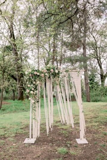 Whimsical Floral-Filled Woodland Wedding – Walnut and Main – Irina Turkova Photography 45
