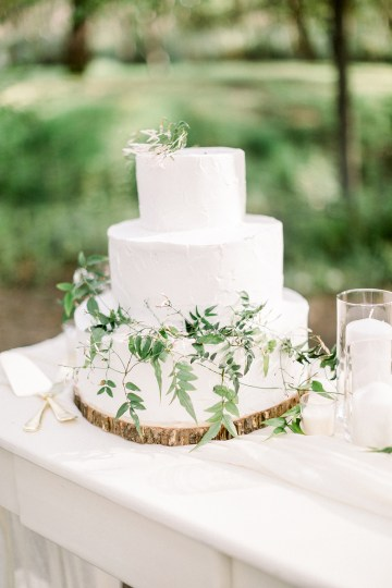 Whimsical Floral-Filled Woodland Wedding – Walnut and Main – Irina Turkova Photography 67