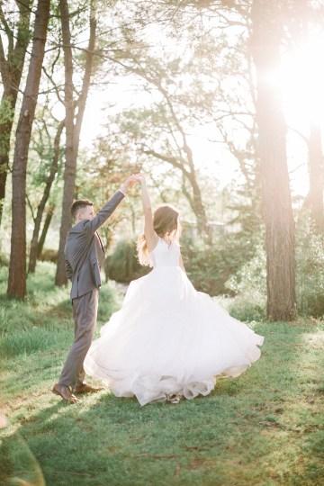 Whimsical Floral-Filled Woodland Wedding – Walnut and Main – Irina Turkova Photography 75