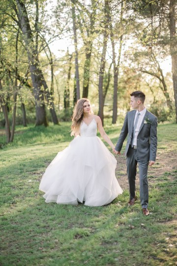 Whimsical Floral-Filled Woodland Wedding – Walnut and Main – Irina Turkova Photography 77