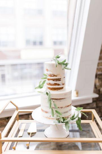 Adorable Loft Wedding Inspiration with a Cotton Candy Cart – Grey Garden Creative 32