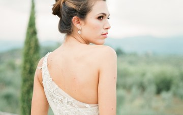 Breathtaking Tuscan Fine Art Wedding Inspiration – Olga Makarova 35