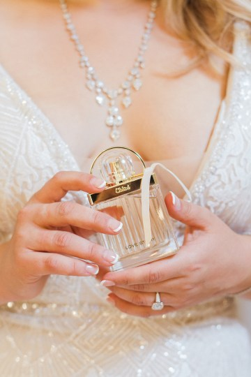 Glamorous Art Deco Wedding Inspiration with Gold Details – Maxeen Kim Photography 11