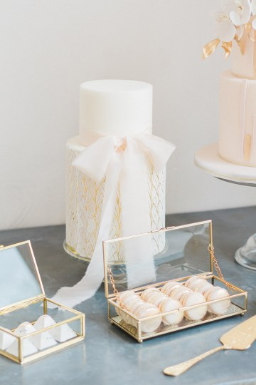 Glamorous Art Deco Wedding Inspiration with Gold Details – Maxeen Kim Photography 17