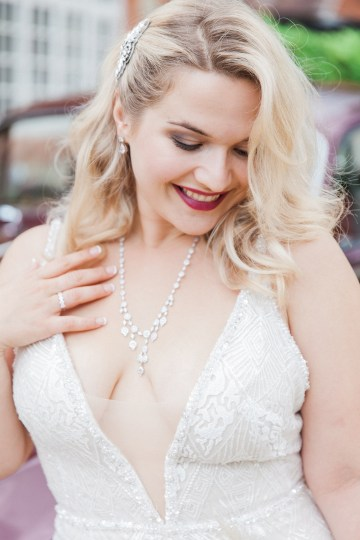 Glamorous Art Deco Wedding Inspiration with Gold Details – Maxeen Kim Photography 24