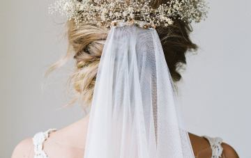 10 Beautiful Dried Flower Crowns You Can Buy On Etsy – Love Sparkle Pretty – Babys Breath Flower Crown 2
