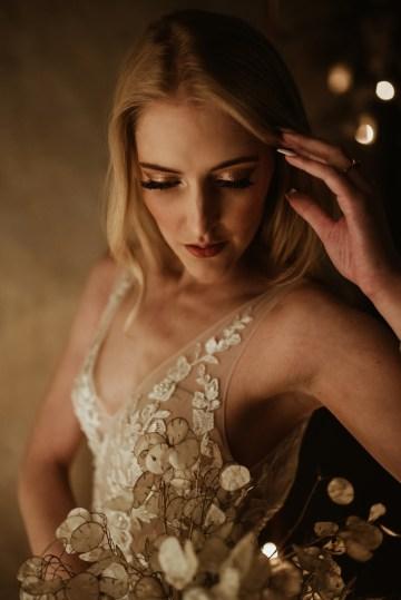 Candlelit Wedding Inspiration With Pretty Fairy Lights – Lauren Pretorius Photography 14