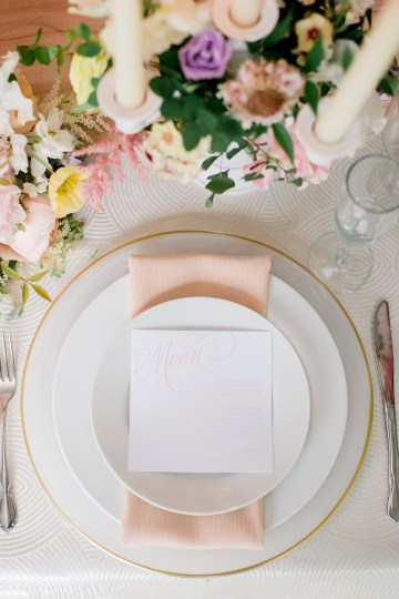 Gorgeous Gold South Asian Wedding Inspiration with a Crescent Moon Altar – Hope Helmuth Photography 9