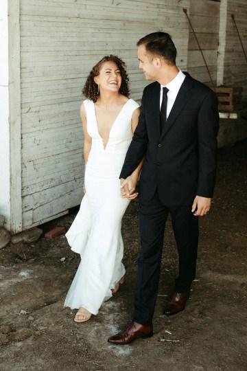Joyous Oregon Berry Farm Wedding – Phil Chester – Peachy Keen Coordination – Hoffman Farm Store 4