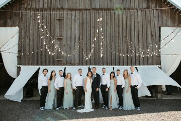 Joyous Oregon Berry Farm Wedding – Phil Chester – Peachy Keen Coordination – Hoffman Farm Store 40