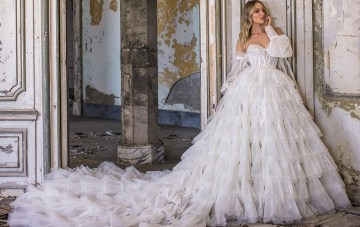 WONÁ Bridal's Dazzling, Showstopping Wedding Dresses