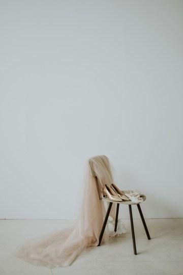 White and Taupe Minimalistic Wedding Inspiration – Vanessa Illi 12