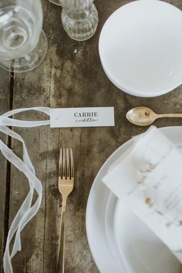 White and Taupe Minimalistic Wedding Inspiration – Vanessa Illi 16