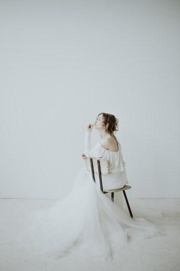 White and Taupe Minimalistic Wedding Inspiration – Vanessa Illi 25