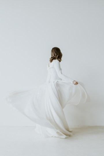 White and Taupe Minimalistic Wedding Inspiration – Vanessa Illi 51