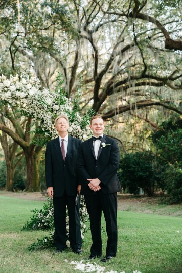 Magical Intimate Southern Wedding Under The Oak Trees – Pure Luxe Bride – Lydia Ruth Photography 34